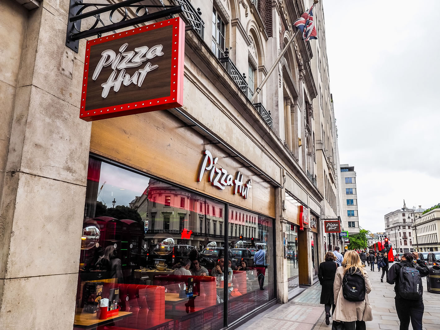 here's how to get pizza hut nhs discount